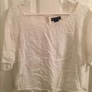 Short sleeve cream colored loose fitting top